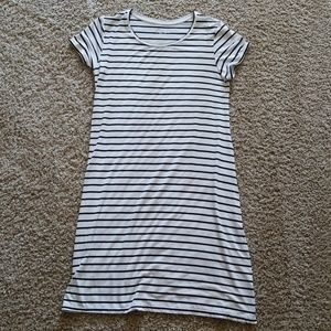 Liz Lange maternity black white stripe dress small